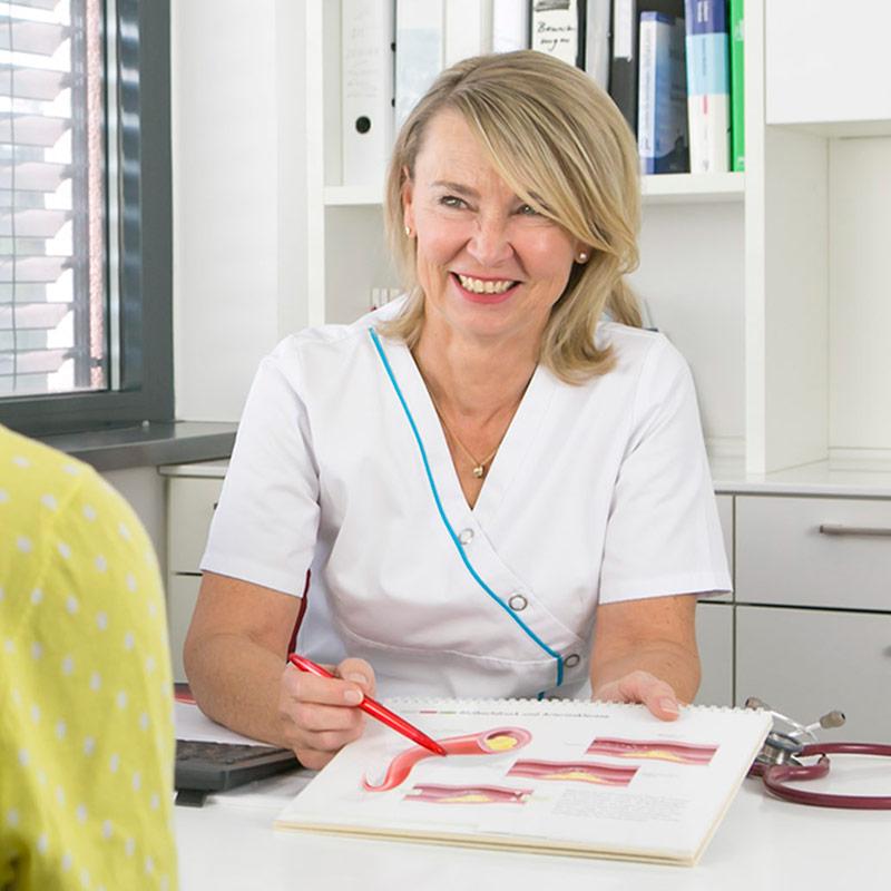 Dr. med. Vera Lang, Internistin-Diabetologin (DDG)