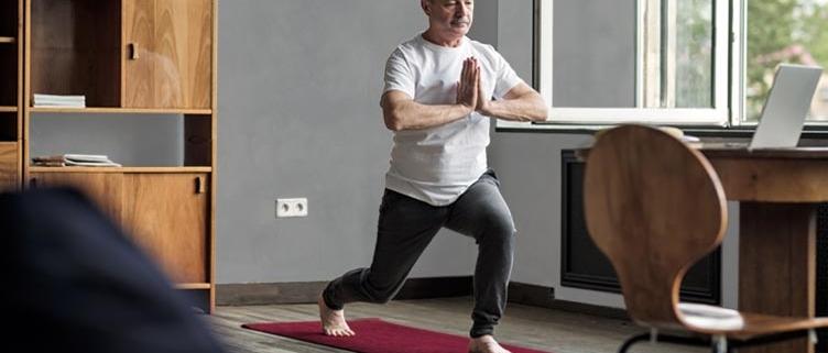 dr-vera-lang-news-diabetes-therapie-bewegung-sanfte-sportarten-yoga-by-istock-koldunov